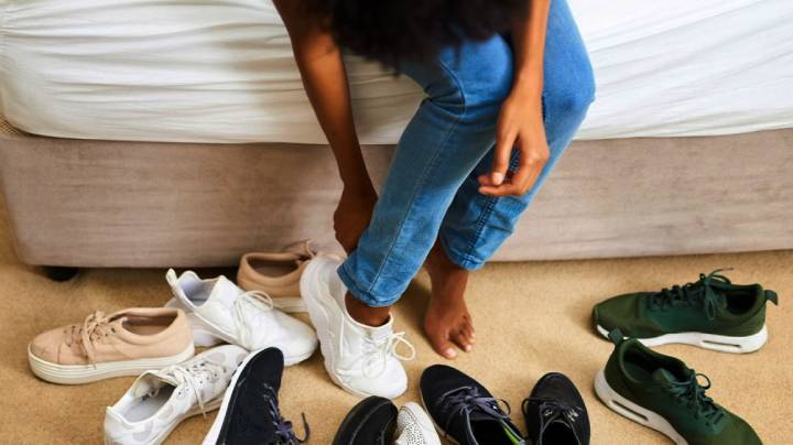 factors - How much do shoes weigh