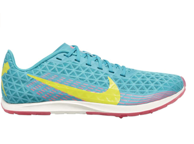non spiked track shoes